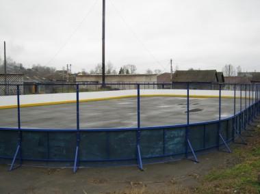 Установлен новый хоккейный корт